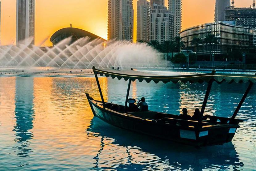 The Dubai Fountain - Free things to do