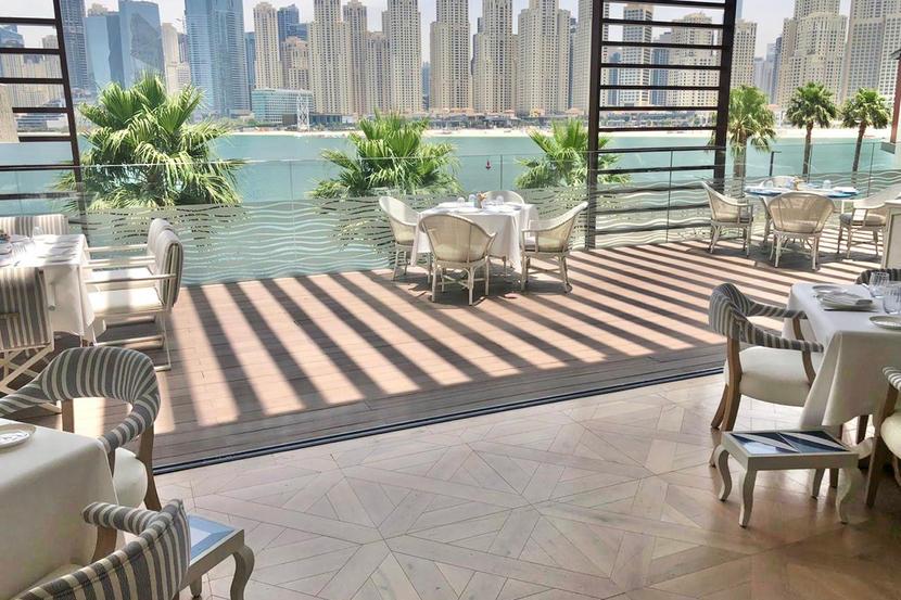 Dubai restaurants are doing social distancing