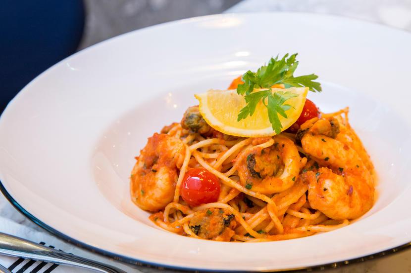 PizzaExpress-Live,-Restaurants-in-Dubai's-Business-Bay
