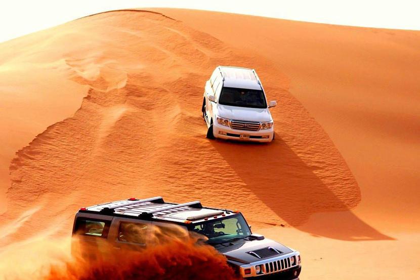 Desert safari, attractions and sights in Dubai