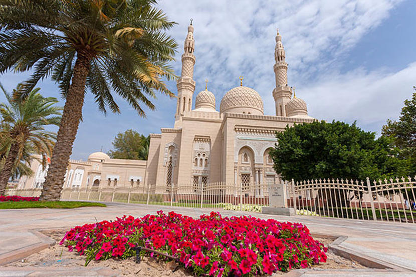Jumeirah Mosque, attractions and sights in Dubai