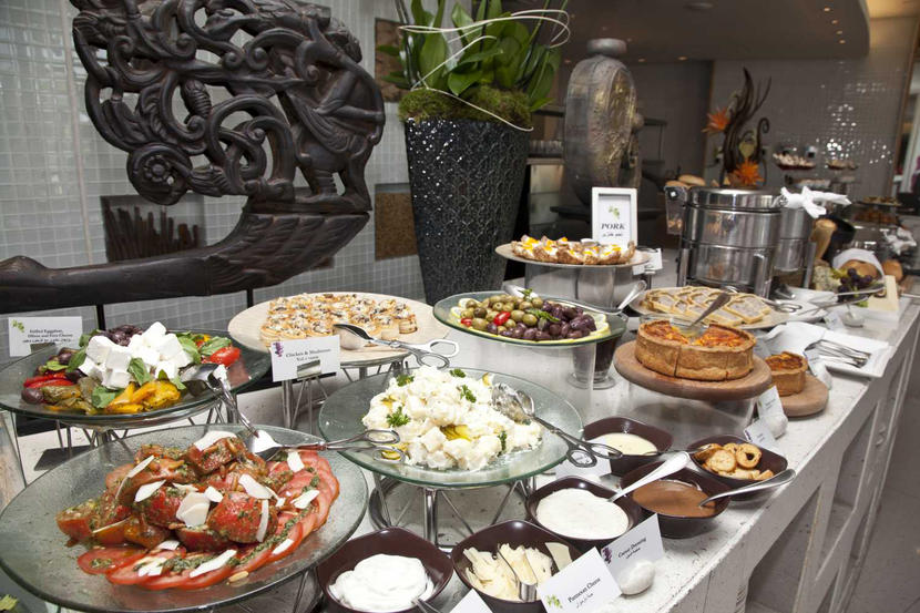 The best family brunches in Dubai, FRIDAY MARKET BRUNCH AT RAFFLES HOTEL