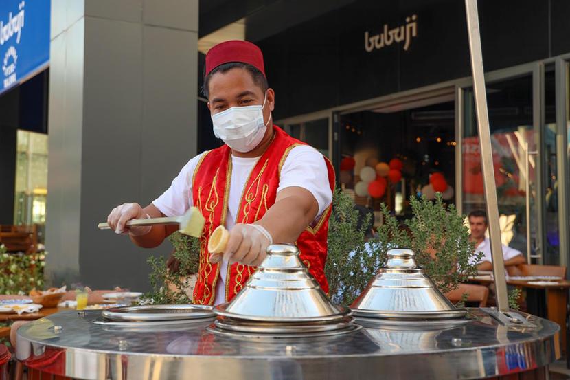 https://www.timeoutdubai.com/public/styles/full_img_sml/public/images/2020/11/19/Turkish-street-bazaar-at-City-Walk.jpg?itok=BD6VM6sZ