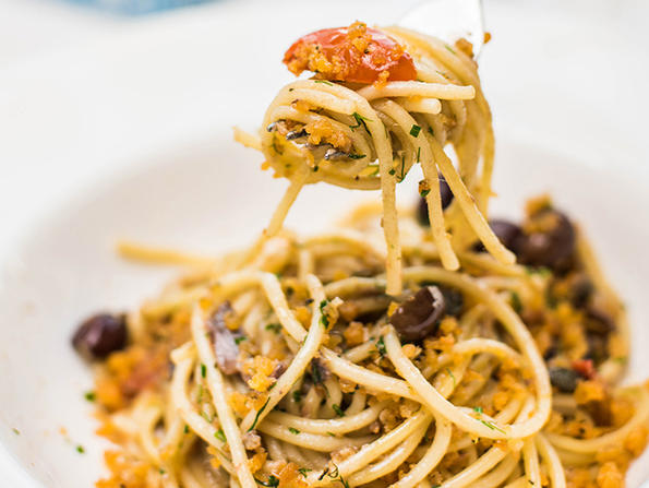 Recipe: Alici Dubai's spaghetti alici e mollica