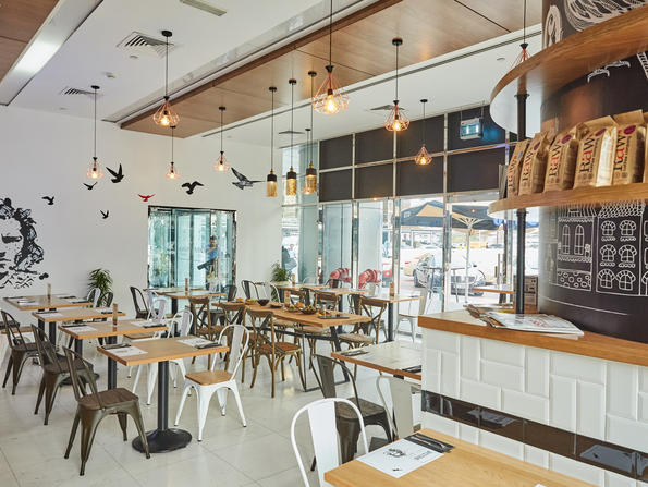 Which restaurants in Dubai are open to kids
