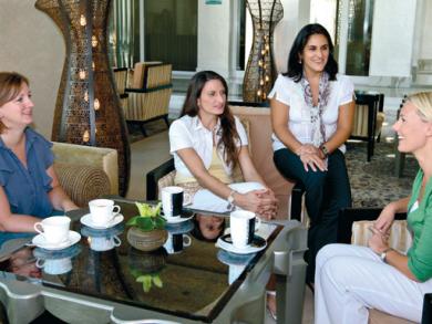 Mums discuss Dubai schools