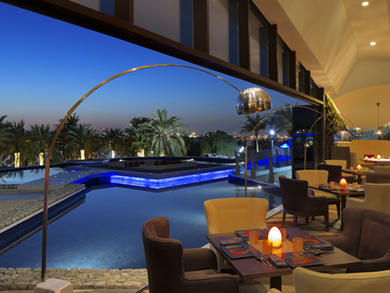 Dubai Creek Golf and Yacht Club, Legendary Friday brunch at Legends