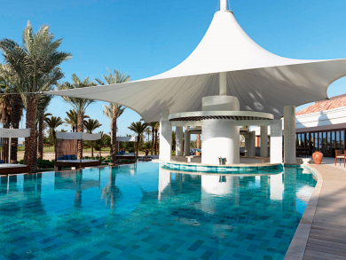 Dubai's best swim-up bars, rooftop pools and pool day packages