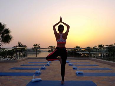 Free morning meditation and yoga at Anantara The Palm Dubai Resort