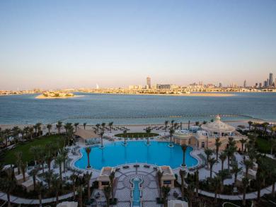 Summer deal 2019: Pool day at Emerald Palace Kempinski