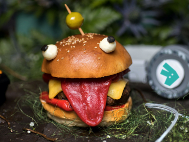 Celebrate Video Games Day with this limited-edition Fortnite burger
