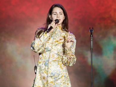 Review: Lana Del Rey at Abu Dhabi Grand Prix 2019