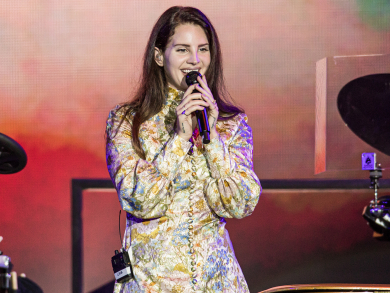 All the pictures from Lana Del Rey's Abu Dhabi Grand Prix gig