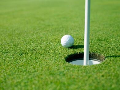 Top golf club bars and pubs in Dubai