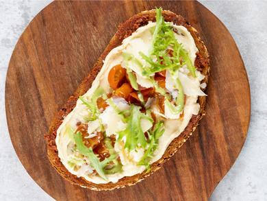 Recipe: Sweetheart Kitchen's hummus toast