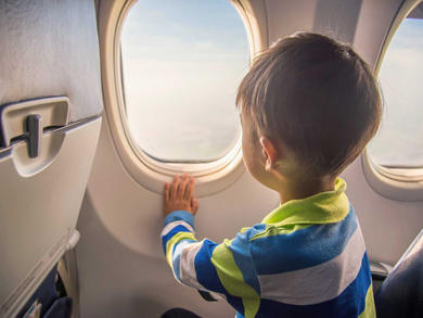 How to keep the kids calm while flying