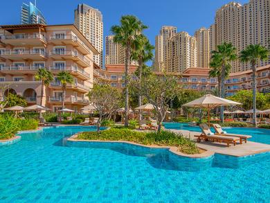 Mums get free pool access at The Ritz-Carlton, Dubai