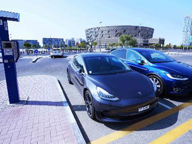 Free parking for electric vehicles in Dubai