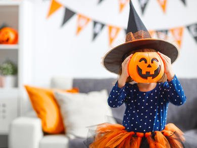 The kids' club at this family-friendly resort on The Palm is laying on Halloween activities