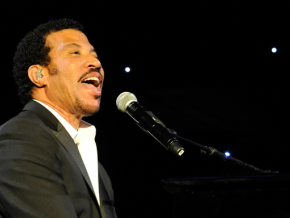 Lionel Richie tickets on sale 'later this week'