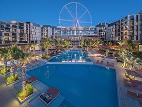 Caesars-Palace-Bluewaters-Dubai----Main-Swimming-Pool-3.jpg